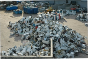 weee_waste_pile_flickr_mnemonic-720x482
